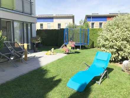 +++4-Zimmer-Wohnung mit Terrasse und großem Gartenanteil+++