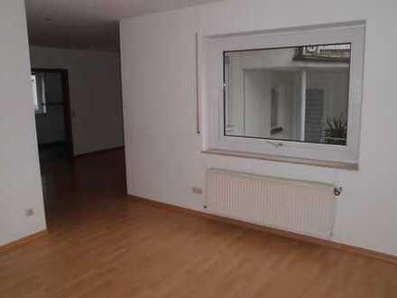 Gepflegte 4,5 Maisonette Wohnung mit Garage