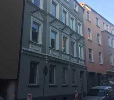 zentral gelegene 4-Zimmer-Wohnung (keine WG!)