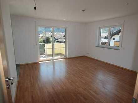 Schöne, helle 3-Zimmer-Wohnung mit Balkon in Piding
