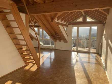 Geschmackvolle 2,5-Raum-Dachgeschosswohnung mit Balkon und EBK in Tuttlingen