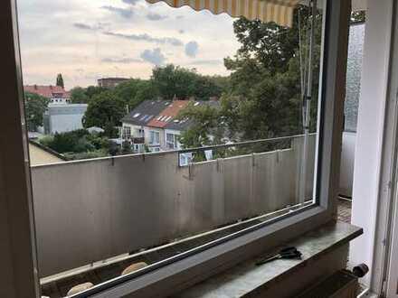 Wohnung mit EBK und 2 Balkone: ansprechende 3-Zimmer-Wohnung in Hannover, befristet