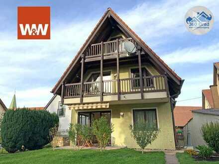 Charmantes Zweifamilienhaus mit schönem Garten und viel Platz sucht neue Eigentümer!