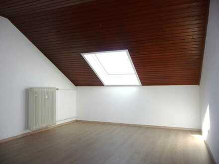 2-Zimmer Dachgeschoss-Wohnung in 69256 Mauer