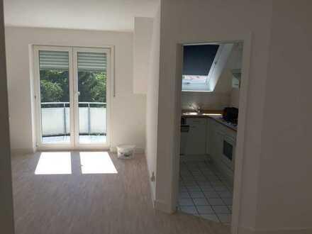 2-Zimmer Maisonette mit Balkon und Dachterrasse