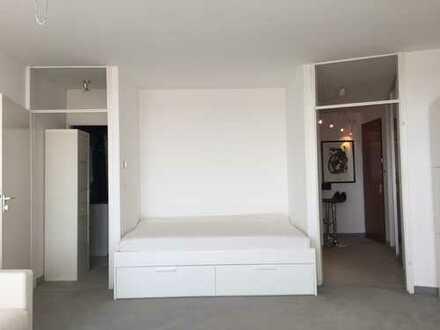 Top Schwabing Fuchsbau 1-Zimmer-Wohnung, möbliert mit Dachterrassen-Pool
