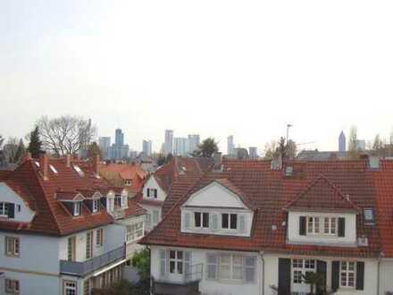 *L*A*G*E***L*A*G*E***L*A*G*E* 2-Zimmer-Studio-Wohnung im *Holzhausenviertel* zu vermieten!