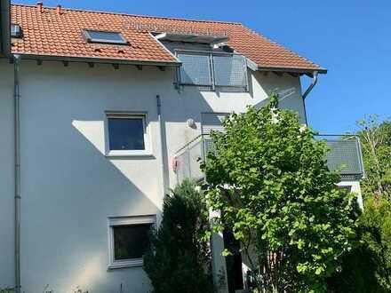 Attraktive Dreizimmerwohung mit Balkon und Tiefgaragenstellplatz