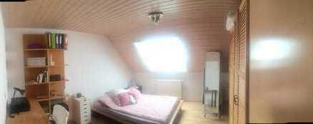 sehr gepflegtes Zimmer 15 qm. voll möbliert