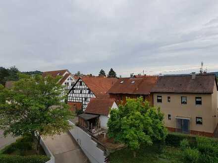Freundlich helle, neu renovierte 3 Zimmerwohnung in Leonberg