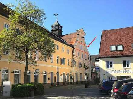 Stilvoll renovierte Altbauwohnung mit Lift,ca. 150 qm Wfl. in zentraler Lage !