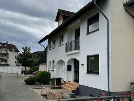 Erstbezug nach Renovierung: Modernisiertes Reihenmittelhaus in zentraler Lage von Langenselbold