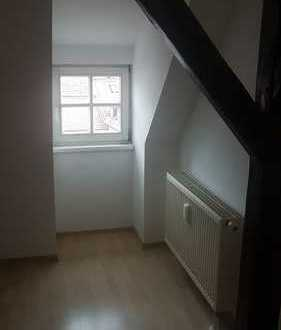 Gemütliche 2-Raum Etagenwohnung - Fahrstuhl vorhanden