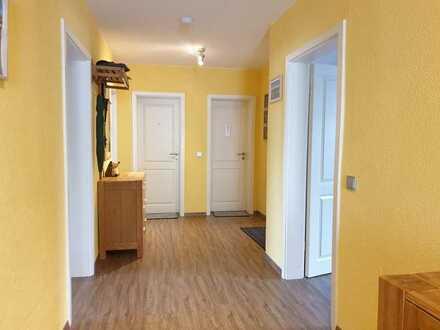 Vollständig renovierte Wohnung mit vier Zimmern und EBK in Illertissen
