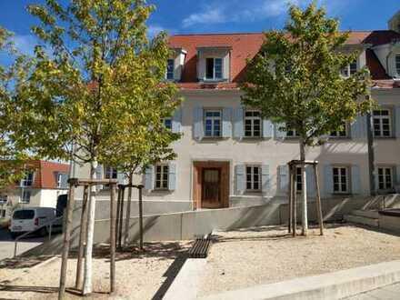 3-Zimmer Wohnung mit hohen Stuckdecken in saniertem Denkmalobjekt im Herzen von Ludwigsburg