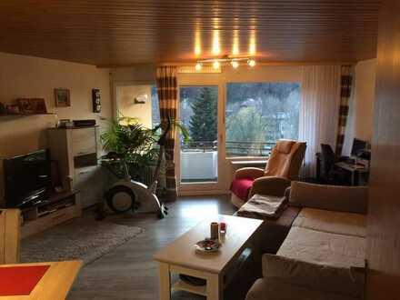 Gepflegte Wohnung mit zwei Zimmern sowie Balkon und EBK in Bad Liebenzell