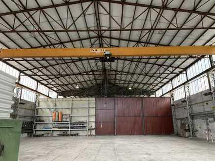 800 qm Kranhalle mit 5 to Kran stützenfrei 25 m breit