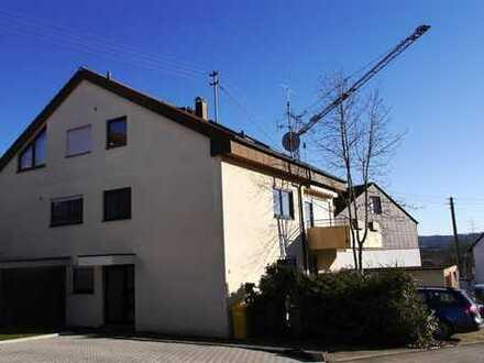 Neuwertige 3,5-Zimmer-Dachgeschoss-Wohnung in ruhiger Lage von Leutenbach