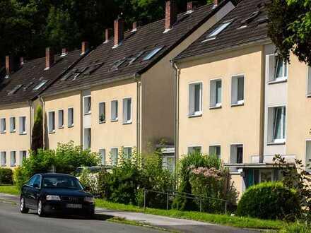 ***Praktisch geschnitten - sonnige Wohnung mit Balkon in toller Lage ***