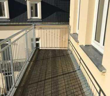 Leutzsch* helle 3 Raum-Wohnung mit Balkon* Parkett* 3.OG* Tageslichtbad*