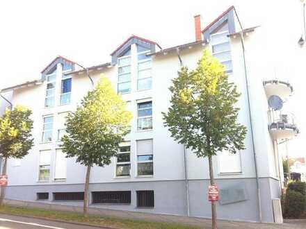 Großes Appartement mit Balkon und TG-Stellplatz im Zentrum