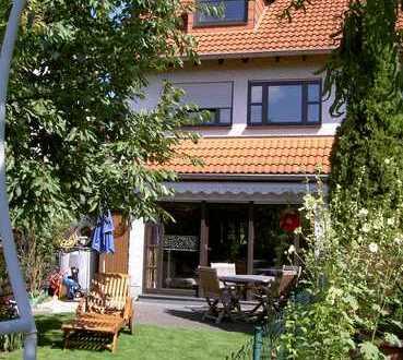 Gepflegtes Reihenendhaus mit fünf Zimmern und EBK in Meckenheim, Meckenheim