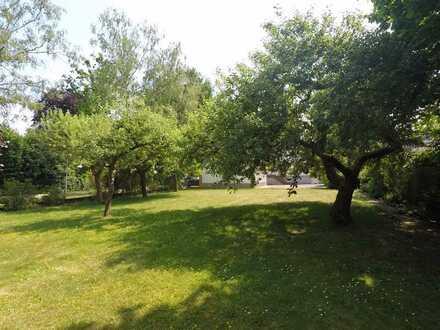Außergewöhnlich großes EFH mit 7 Zimmern und traumhaften Garten