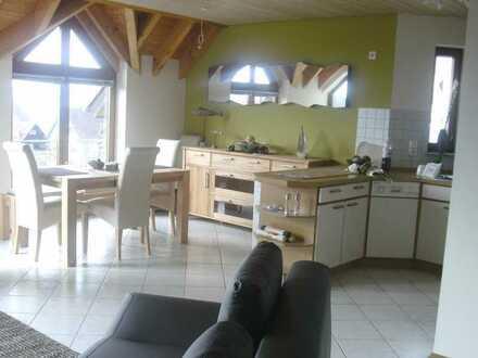 Moderne, komfortable und vollmöblierte Wohnung mit See- und Schlossblick