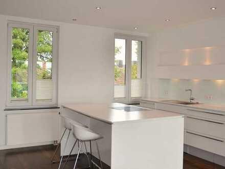 Lichtdurchflutete luxuriöse 4,5 Zimmer Maisonette Wohnung mit großer Dachterrasse und toller EBK