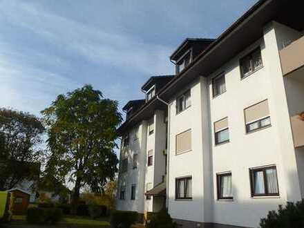 Schöne Dachgeschoss-Wohnung mit großem Südbalkon