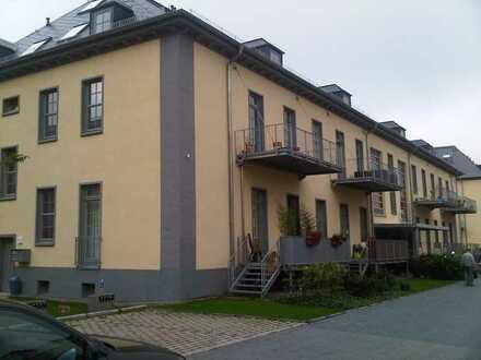 Helle und hochwertige Maisonette-Wohnung in der ruhigen Wohnanlage Pont-Du-Clair