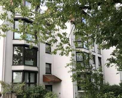 Große, renovierte 3 Zimmer Wohnung in ruhiger Hausgemeinschaft