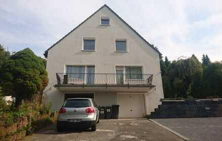 Schönes 2 Familienhaus mit Ausbaureserve, Balkon und Garten zu verkaufen