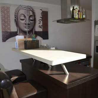 Stilvolle, helle und gepflegte 5-Zimmer-Maisonette-Wohnung mit Balkon und EBK