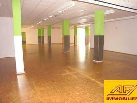 Moderne Gewerbefläche in Arnsberg, Stellplätze inkl. - Sofort frei!