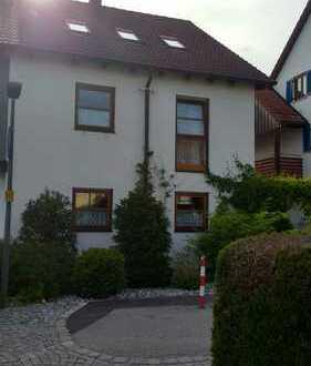 Großes Haus, zentral im Westen Dachaus in ruhiger Wohngegend
