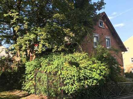 Einfamilienhaus mit großem Garten teils in Hanglage in Aalen-Zentrum