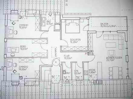 Schöne 5,5 Zimmer-DG-Wohnung mit Balkon und EBK in Beuren