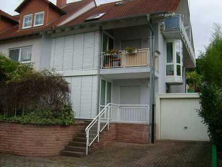 1 Zimmer Appartment (EBK, DU, WC) Terrasse + Garage