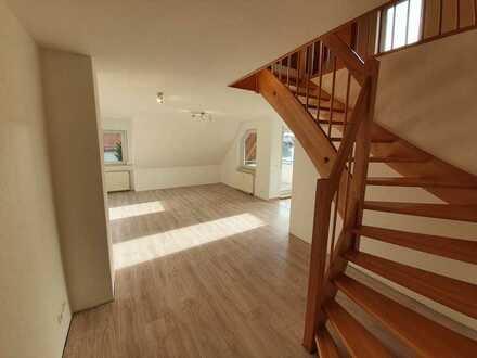 Stilvolle 3-Zimmer-Maisonette-Wohnung in Grafenberg : Erstbezug nach Sanierung mit EBK und Balkon: