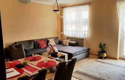 Vollmöblierte, hochwertig ausgestattete 2-Zimmer-Wohnung mit Balkon in Straubing
