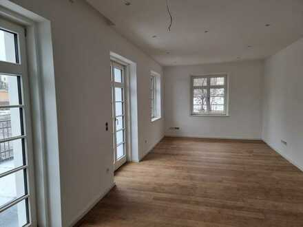 5-Raum Wohnung in stilvoller Stadtvilla - Erstbezug, 1.OG
