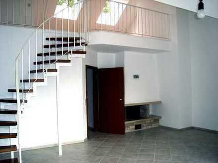 Moderne helle Maisonette-Wohnung