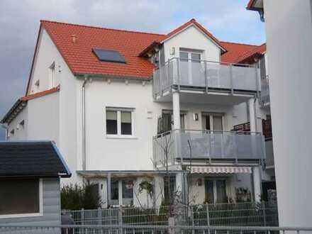 Top Vierzimmerwohnung, 1. OG mit Balkon in Idyllischer Lage.