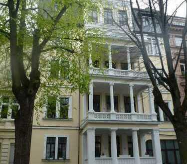 Herrschaftliche 5-Zimmer-Wohnung, zentral, ruhige Lage