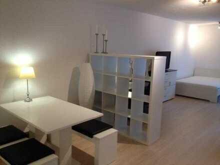 Neuwertig möbliertes, helles und ruhiges 1 Zimmer Apartment