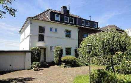 Charmante Villa in direkter Rheinlage!