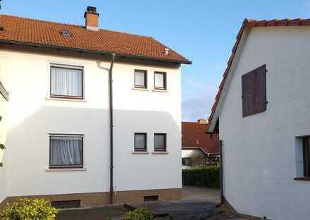 Ältere Doppelhaushälfte auf schönem Grundstück in gefragter Lage in Sandhausen