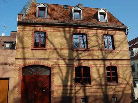 Von Privat! Komplett sanierter, großzügiger Altbau (Backsteinanwesen mit Garten) in Mainz-Bretzenh
