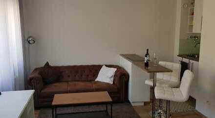 Stilvolle, neuwertige 1-Zimmer-Wohnung mit Balkon und EBK in Ludwigsvorstadt-Isarvorstadt, München
